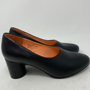 Urban Outfitters, Black Pump Size 8 (347)